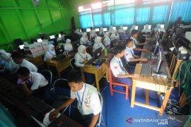 SMPN 24 Banjarmasin gelar UNBK mandiri