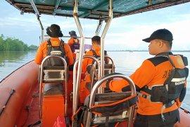 SAR temukan nelayan yang tenggelam di Sungai Sambas
