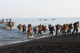 590 siswa Kodikmar jalani latihan pendaratan amfibi di Banongan