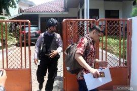 Bupati Solok Selatan Muzni Zakaria akan hormati proses hukum di KPK