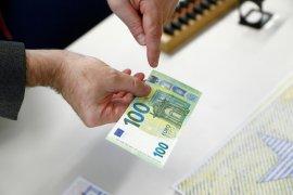 Euro jatuh, terpengaruh sentimen bisnis Jerman