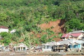 Tim gabungan temukan dua korban longsor di Kotabaru