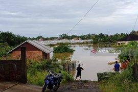 Ruas jalan di Bengkulu terputus banjir