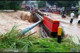 Ini jalan dan jembatan rusak akibat banjir di Bengkulu