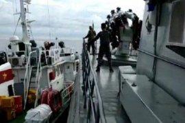 KRI Tjiptadi-381  diprovokasi kapal pengawas ikan Vietnam