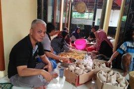 Posko banjir Tangerang bagikan 3.000 nasi bungkus per hari
