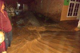 BPBD Kediri tangani tanggul jebol diterjang banjir