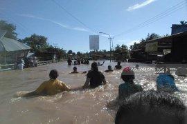 Pemprov evaluasi penanganan banjir dan tanah longsor