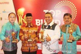 PDAM Intan Banjar wins five Top BUMD awards