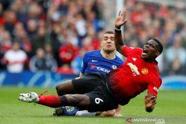 Perburuan empat besar Manchester United semakin rumit setelah bermain imbang kotra Chelsea