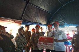 Mensos Agus Gumiwang serahkan bantuan senilai Rp1 miliar untuk Bengkulu