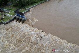 Debit air bendungan Alale di Bone Bolango naik