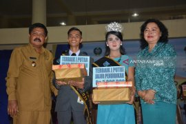 Beni dan Cindy Lorensa Tobing juara Duta Genre kota Sibolga tahun 2019