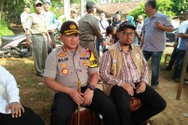 "Polisi Tangerang gelar omba memancing ikan menyambut ""May Day"""