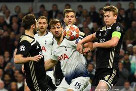Prediksi  Ajax vs Tottenham