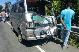 Kronologi ambulans tabrak truk yang mengakibatkan lima orang tewas