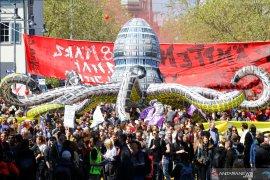 Melihat Omnibus Law dan Mayday 2020