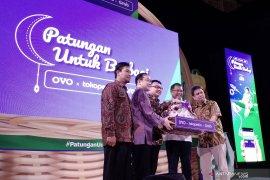 "OVO, Tokopedia dan Grab peringati Hardiknas dengan ""Patungan untuk Berbagi'"