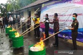 Kantor Bea Cukai Banjarmasin musnahkan jutaan batang rokok ilegal