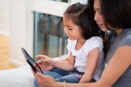 Tips agar anak tidak berlebihan gunakan internet saat PSBB