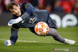 """Kiper Porto Casillas merasa """"kuat"""" setelah serangan  jantung"""