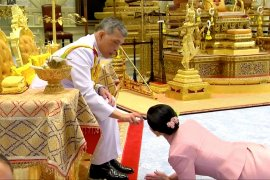 Raja Thailand menikahi pengawal pribadinya jelang upacara penobatan