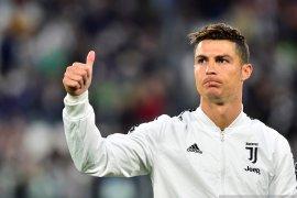 """Ronaldo Menikmati """"persaingan sehat"""" dengan Messi"""