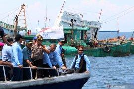 Susi pimpin langsung penenggelaman 26 kapal asing pencuri ikan