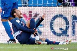 Pergelangan kaki terkilir, Neymar tinggalkan laga Brazil lawan Qatar