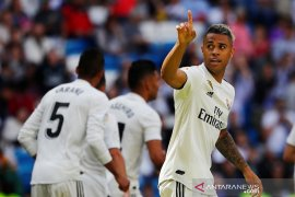 Striker Real Madrid Mariano Diaz positif corona
