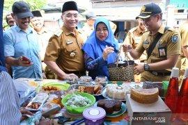 Bupati HSS ingatkan para pedagang kuliner mengolah makanan sehat dan aman