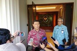 "Bantah tutup media massa, Wiranto siap ""take down"" medsos ujaran kebencian"