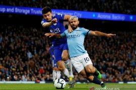 Duo Manchester berebut tanda tangan bek Leicester Harry Maguire