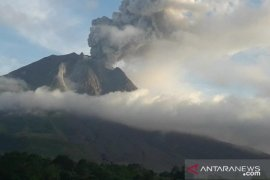 Gunung Sinabung kembali  erupsi