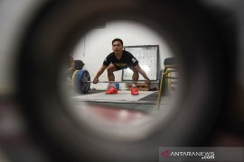 Lifter Eko Yuli fokus perbaiki total angkatan di kejuaraan dunia Thailand