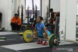 Angkat besi putri diharapkan buat kejutan di Kejuaraan Dunia Junior