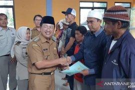 Warga Cianjur berharap program sertifikat PTSL terus berjalan