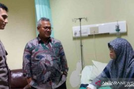 Ketua KPU RI menjenguk anggotanya di Bekasi
