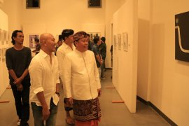 """Dua pelukis Denpasar pameran bertajuk """"View Point"""""""