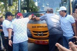 Pemkab Nganjuk mengoperasionalkan angkutan sekolah gratis