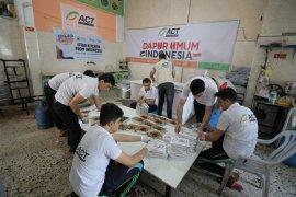 ACT bagikan paket iftar untuk anak di Gaza