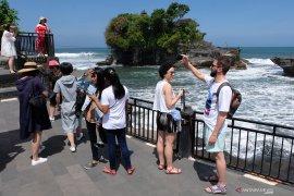 Kunjungan wisatawan domestik ke Tanah Lot menurun (video)