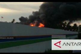Kebakaran hanguskan mess karyawan PT Wijaya Karya