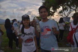 Konsul Amerika Serikat gelar  acara bersih Pantai Manado Page 3 Small
