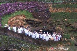 Menteri BUMN terpesona dengan keindahan Goa Lawa Purbalingga