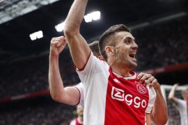 Ajax di ambang juara setelah tundukkan Utrecht 4-1