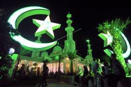 Melihat kemegahan dan keelokan Masjid Baiturahmah Padang, Sumbar