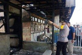 Polres Singkawang lakukan olah TKP kebakaran