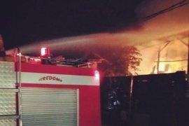 Gudang Limbah Di Sukabumi dilalap si jago merah