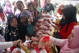 Pemerintah Kota Singkawang siapkan 5.700 paket sembako untuk pasar murah